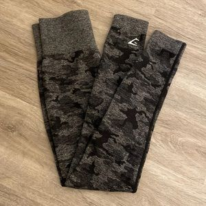 NWOT Gymshark black camo leggings